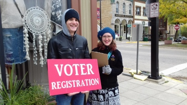Voter Registration- Riverwalk: Thanks to our wonderful St. Olaf AmCon Volunteers!